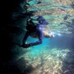 屋久島の海で、「(ぷち)青の洞窟」(笑)