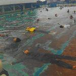 屋久島の海・川で 小学校授業で着衣泳。